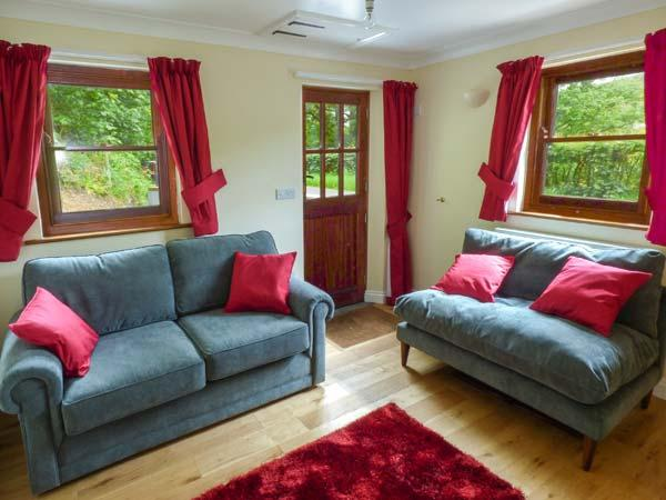 PENLON, Grade II listed, WiFi, woodburner, river fishing rights, near Capel - Image 1 - Aberystwyth - rentals