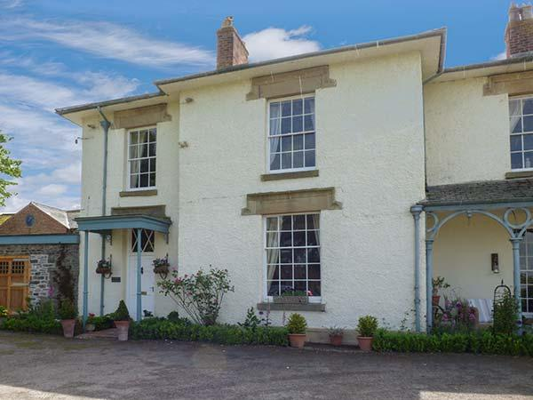 THE OLD RECTORY COTTAGE, woodburner, country views, lawned garden with furniture, in Llandyssil, Ref 926581 - Image 1 - Caerhowel - rentals