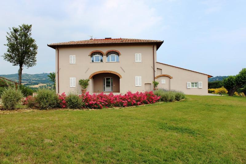 4 bedroom Villa in Reggello, Florentine hills, Arno Valley, Italy : ref 2294004 - Image 1 - Leccio - rentals