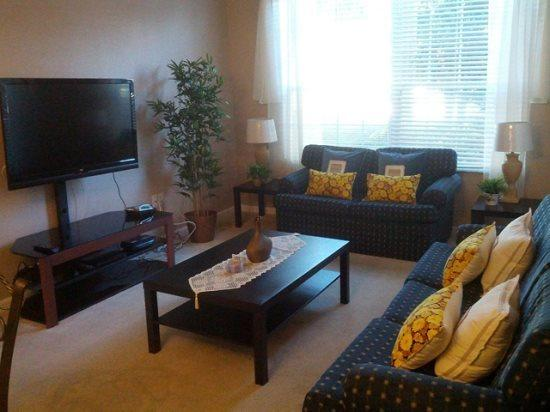 3 Bedroom 2 Bath Condo 15 minutes From Disney World. 104CS - Image 1 - Orlando - rentals
