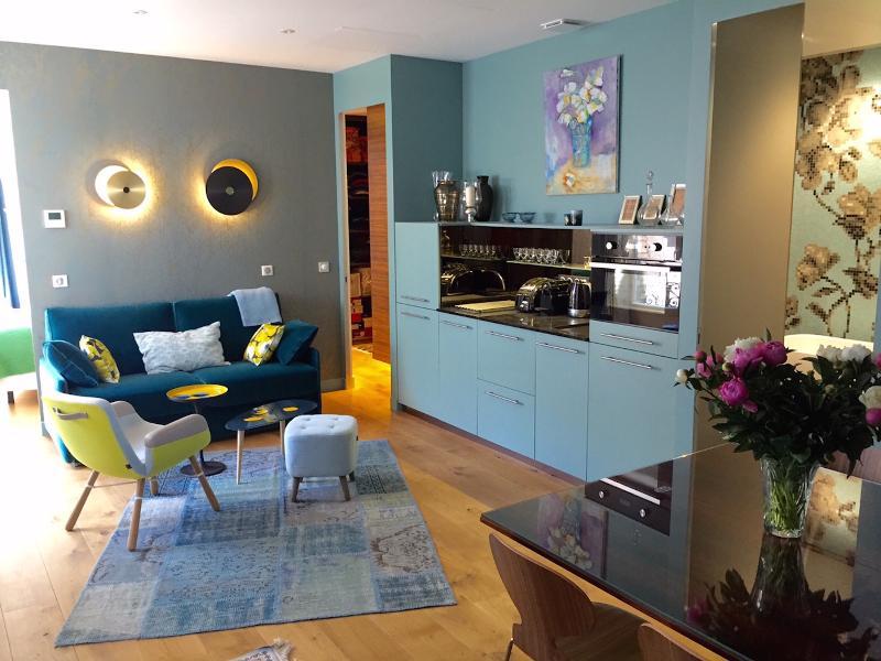 Living room - Luxury Apt. Le Marais-Pompidou. 2BR/2BA. A/C - Paris - rentals
