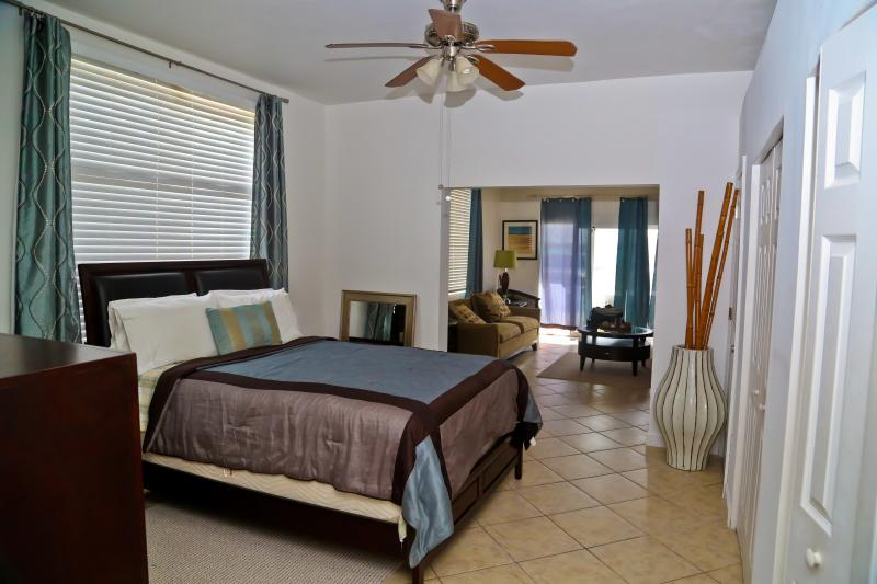Modern Luxury Open Plan Living - Sound View Residence - Providenciales - rentals