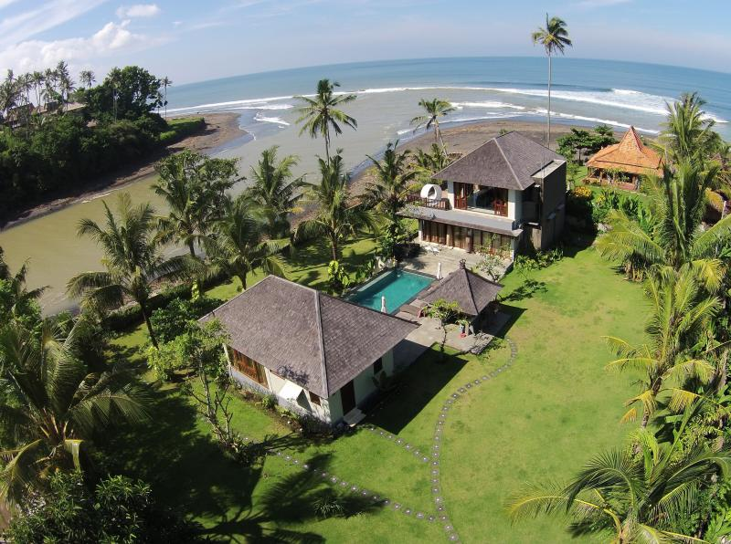 Aerial view of the 2000M2 property. - Balian, Bali - Luxury 4 bedroom beach villa - Tabanan - rentals