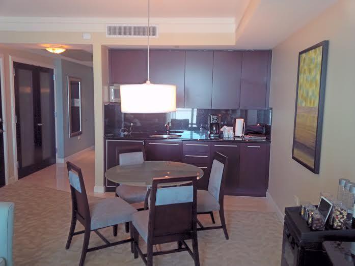 Fontainebleau Sorrento 2 Queen Beds Suite Sleeps 6 - Image 1 - Miami Beach - rentals