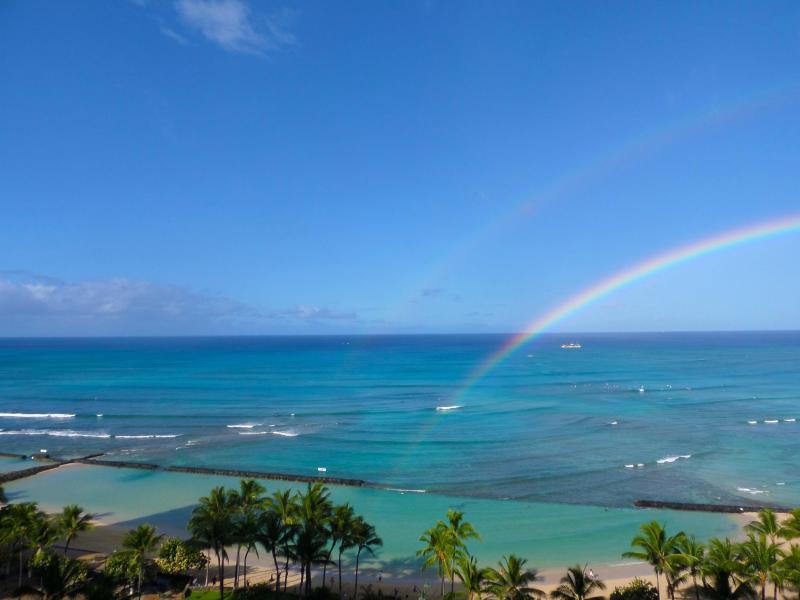 Waikiki Beach Tower! Direct Oceanfront! - Image 1 - Waikiki - rentals