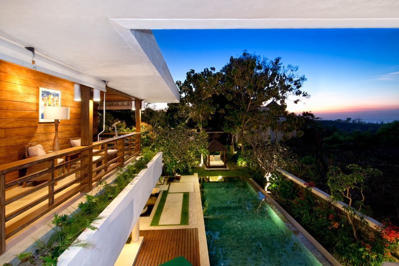 Villa Champa Exterior Dusk - Villa Champa - Pure Bali Elegance inc. Car/Driver - Ungasan - rentals