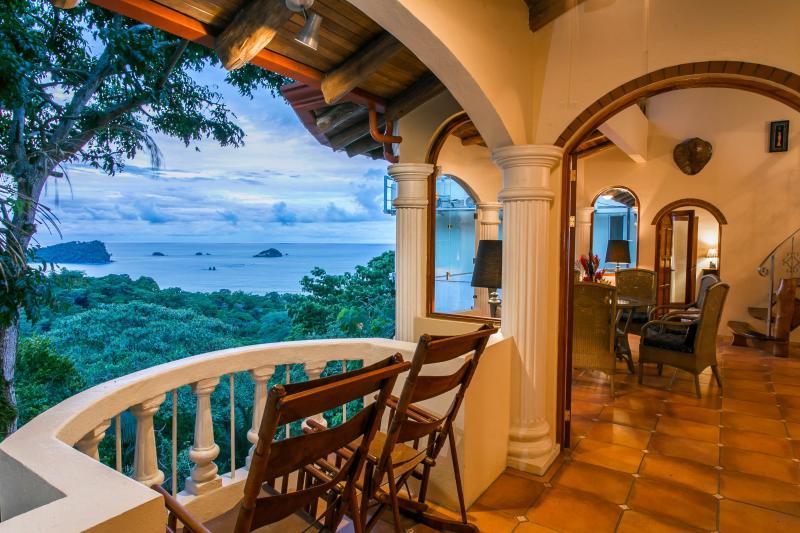 Castillo de Amber (Amber Chambers) - 6 Br Villa w/ 4 Indepen Apts, Sea Views & Central - Manuel Antonio - rentals