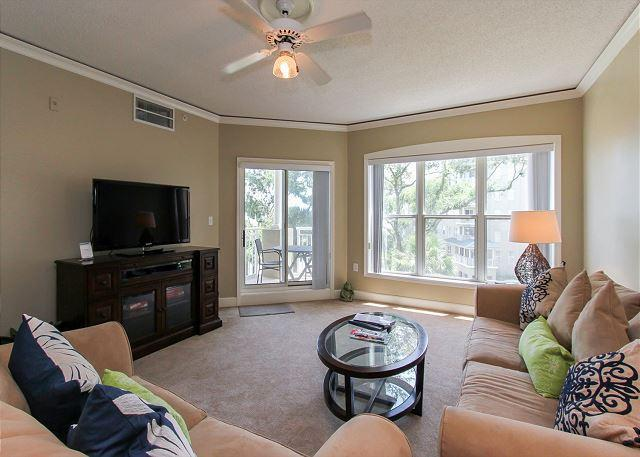 Living Area - 6304 Hampton Place-Beautiful Oceanfront Villa! - Bluffton - rentals