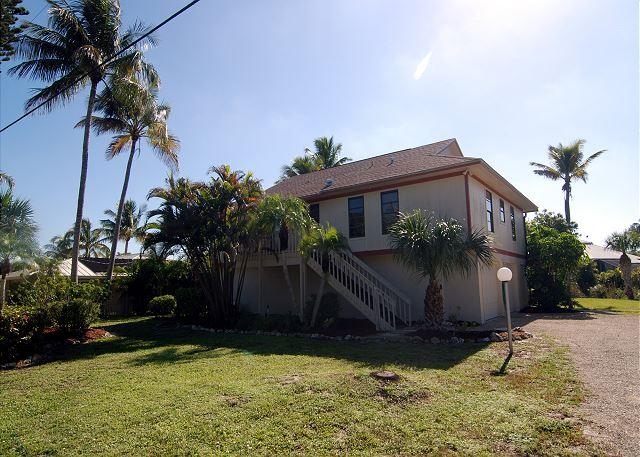 Exterior - Stilted home with pool in West Rocks - Sanibel Island - rentals