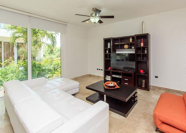 Mamitas Village at Mamitas Beach. Location, Luxury & Service - Image 1 - Playa del Carmen - rentals