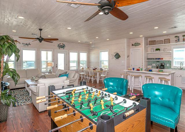 Hang out Area - Out of Bounds: Just Blocks from the Beach, Pool, Pets, 4bed/3bath - Port Aransas - rentals