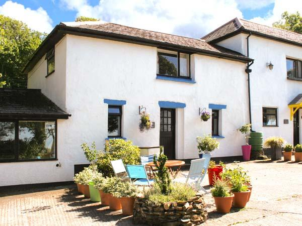 BLUEBELL, pet-friendly cottage with swimming pool, BBQ area, Bude Ref 29355 - Image 1 - Bude - rentals