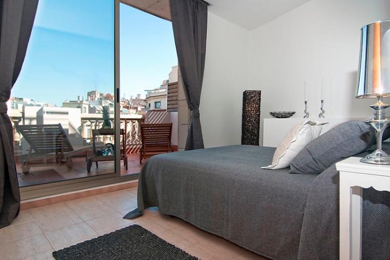 BCN Rambla Catalunya Penthouse (HUTB-003325-74) - Image 1 - Barcelona - rentals