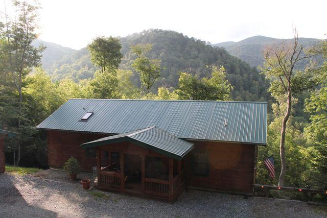 Picture is from behind cabin. View - Beautiful 4/3 Views!Horse riding, Hiking, Private - Mars Hill - rentals