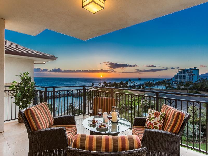 Sunset ocean view from lanai - B-708: Hale Leilani Ko Olina Beach Villa - Kapolei - rentals