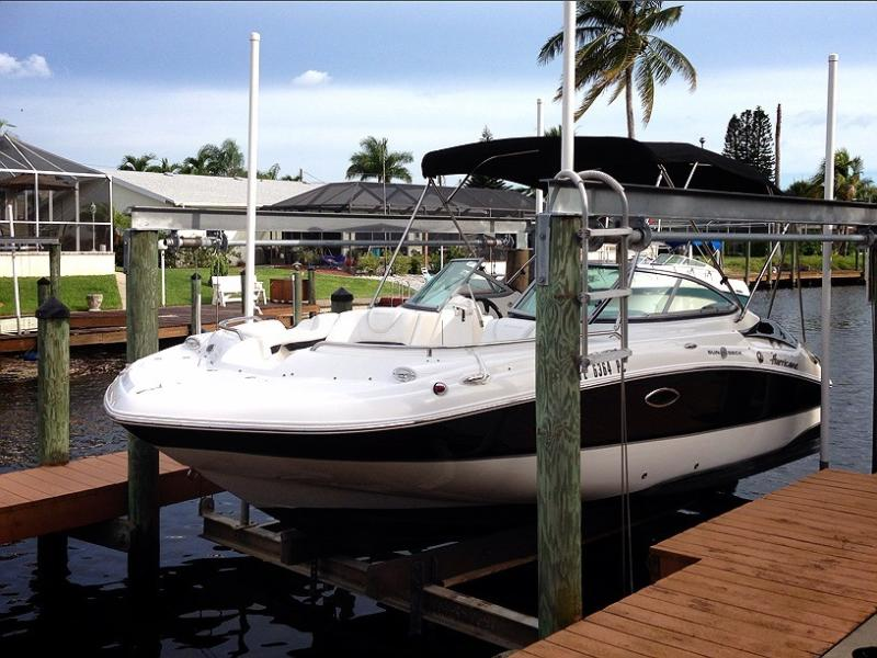 20 feet long 8 feet wide Hurricane boat available for separate rental. 150HP, GPS, bathroom etc - Gulf Access Villa, with Pool and Boat avail - Cape Coral - rentals