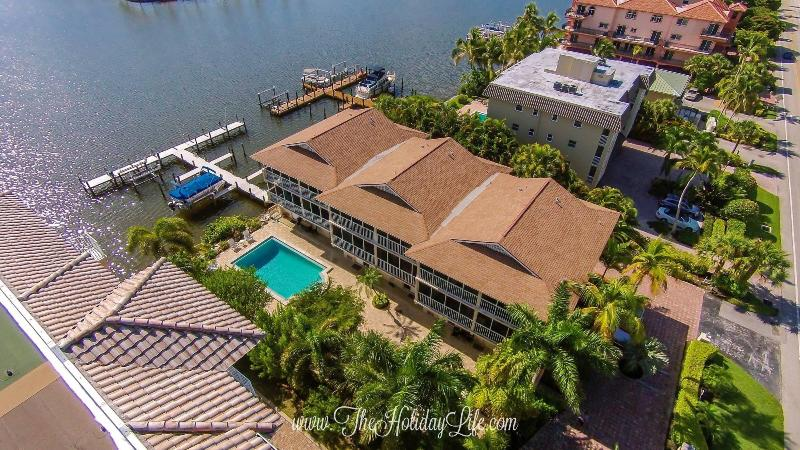 SANDCASTLE VILLA 1 at Vanderbilt Beach - Image 1 - Naples - rentals