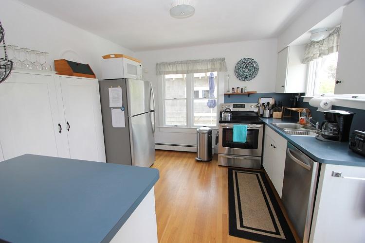 Full Kitchen - 165 North Shore Blvd - East Sandwich - rentals