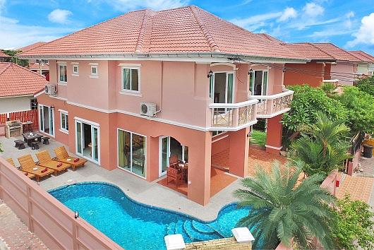 4 bed pool villa 1km to beach - Image 1 - Pattaya - rentals