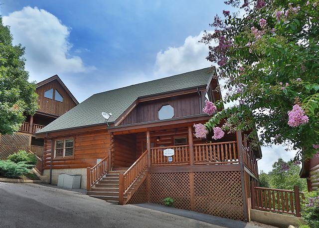 Cabin - Blue Heaven is a 2 bedroom cabin with bedside Jacuzzi in Master Bedroom - Sevierville - rentals