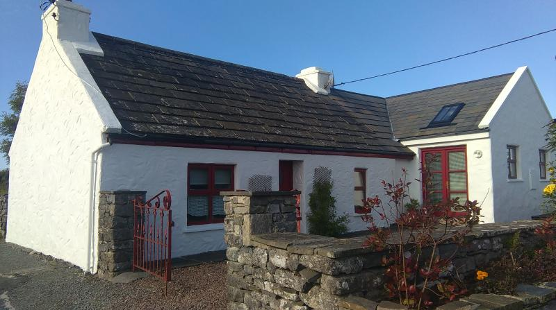 Fair Green Cottage - Fair Green -Affordable Accommodation in the Burren - Kilfenora - rentals