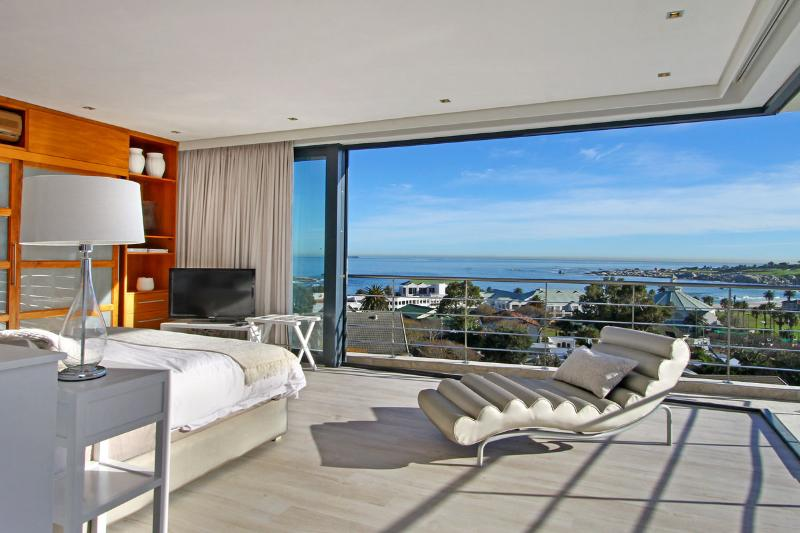 Contemporary 5-Star Villa in Camps Bay - Geneva Gem - Image 1 - Camps Bay - rentals