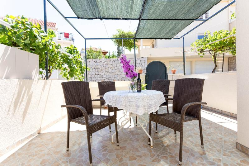 Great apartment  for 2, 3 or 4 / FREE parking - Image 1 - Dubrovnik - rentals