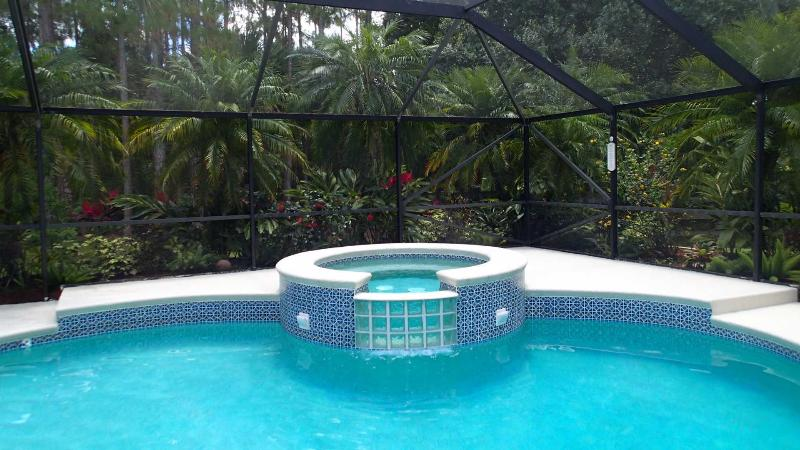 Shadey Acres. Relax in luxury in our fully screened heated pool and bubbling spa! - *SALE* 3 Br/ 2B Pool Home, Sleeps 12, Pet Friendly - Jupiter - rentals