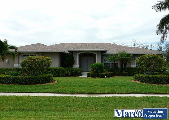 Secluded retreat w/ heated pool, hot tub & walk to Shops of Marco - Image 1 - Marco Island - rentals