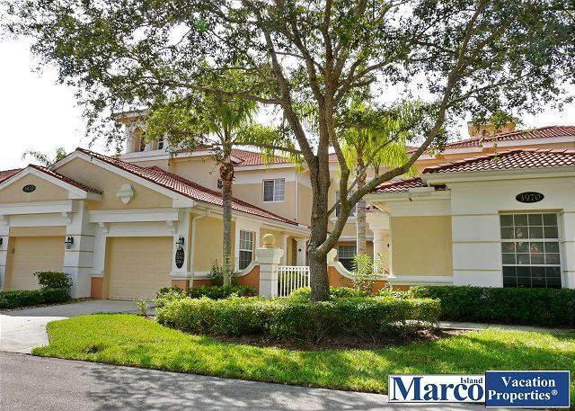 Secluded, luxurious condo in lavish resort with lagoon-style pools and tennis - Image 1 - Naples - rentals
