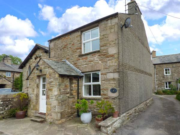 CROFT COTTAGE, Sky TV, WiFi, charming cosy cottage in Hutton Roof, Ref. 91909 - Image 1 - Hutton Roof - rentals