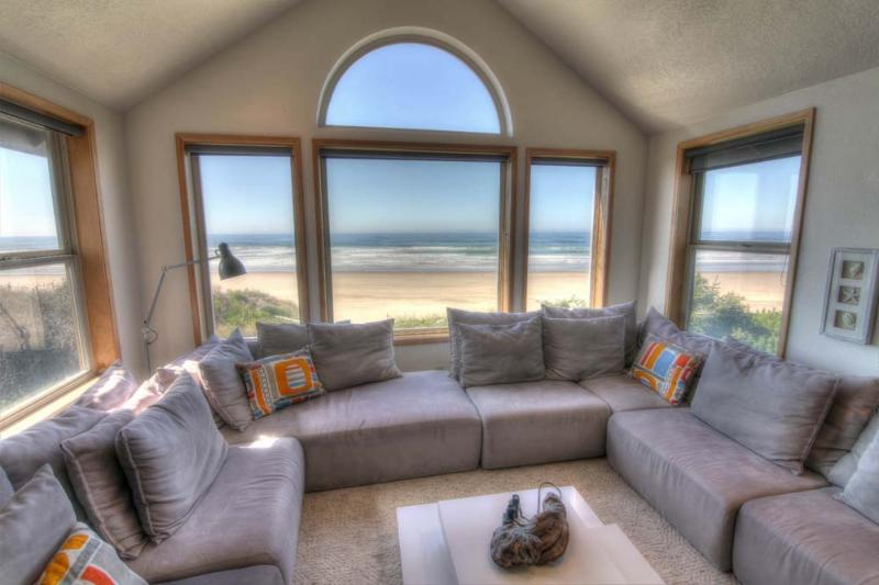 The Sand Castle on Miles of Sandy Beach! - Image 1 - Yachats - rentals