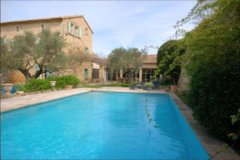 Lovely Open Plan Restored Village House Near Uzès, Sleeps 9 - Image 1 - Castillon-du-Gard - rentals