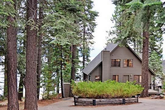 Front of Home - King 2 - Country Club LAKEFRONT with Dock & Buoy - Lake Almanor - rentals