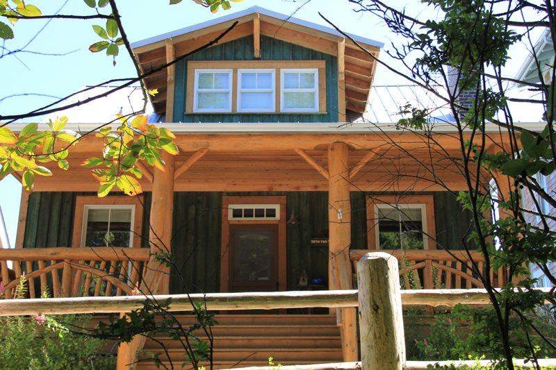 Front porch, facing the Elk Creek Trail - Into The Woods - Pacific Beach - rentals