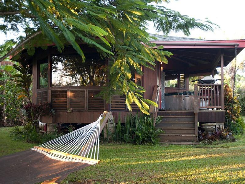Beach Cottage with Privacy, Hot Tub, Kayak, Wi-Fi. - Image 1 - Kilauea - rentals