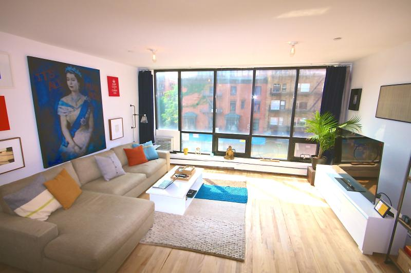 Sunny One bedroom with Terrace - Image 1 - New York City - rentals