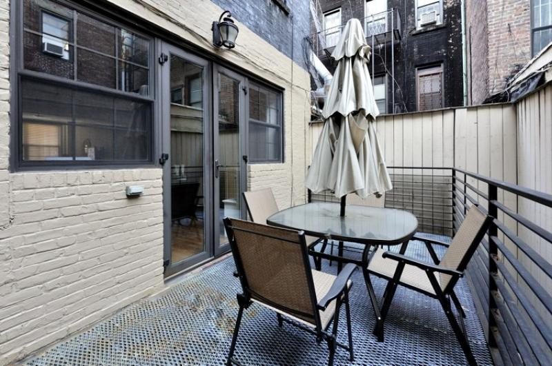 Private 4BR/2.5BA Townhouse + Terrace in the UES! (100% Legal) - Image 1 - New York City - rentals
