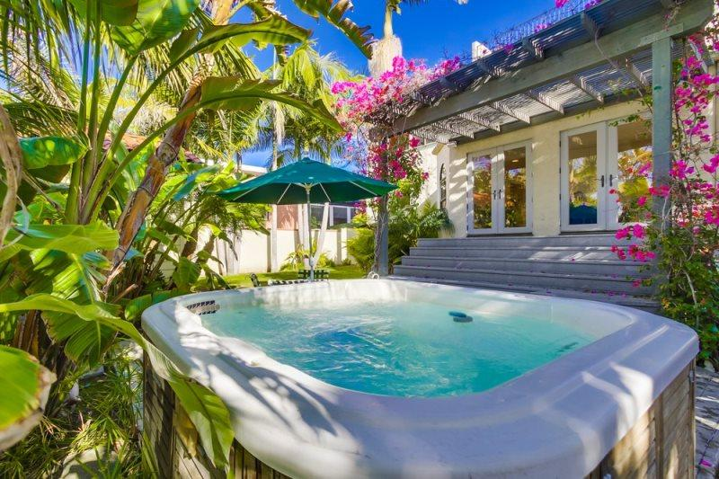 La Jolla Shores Beach Retreat: Large Private Spanish Beach Home, Hot Tub, Rooftop Deck - Image 1 - La Jolla - rentals
