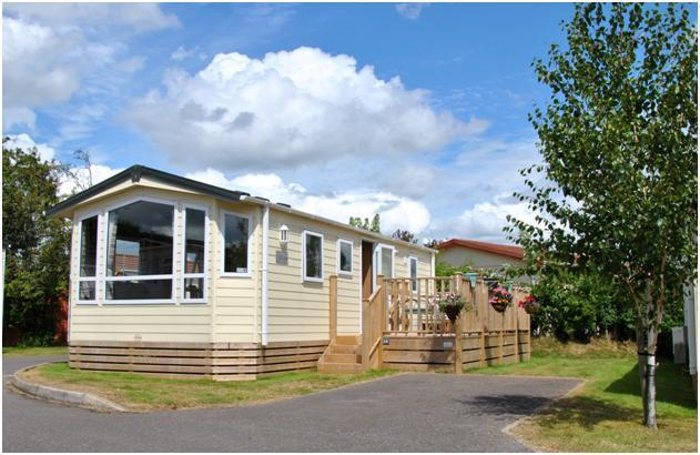 The Lady May welcomes you to a relaxing stay in Devon. - The Lady May - Cosy & Chic, on Quiet Seaside Site - Dawlish - rentals