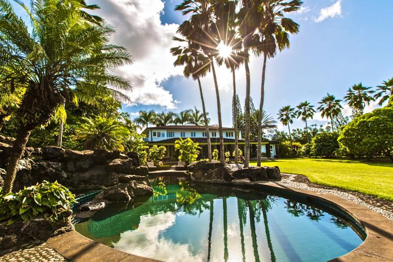Lava Rock Pool Set Amongst Majestic Royal Palms... - Estate WIth Pool, Hot Tub, Ocean & Sunset Views - Princeville - rentals
