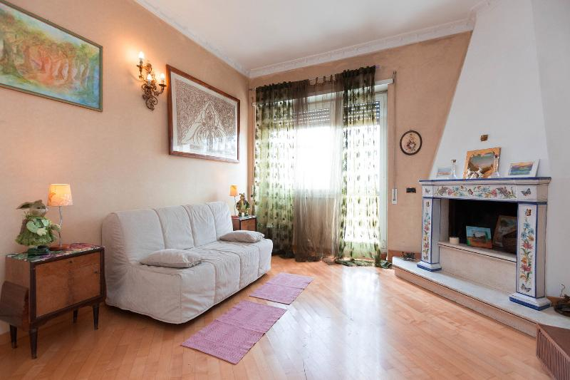 The Salon - Apartment Girasolereale Rome City Penthouse - Rome - rentals