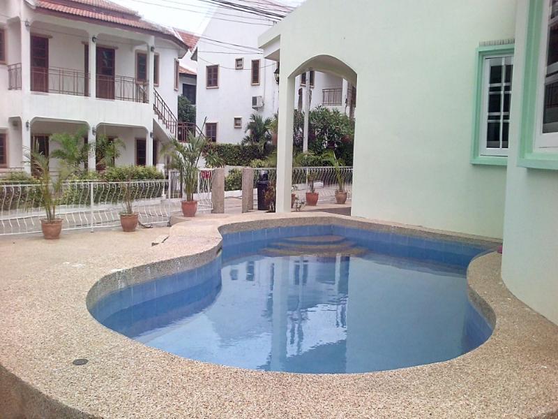Villas for rent in Hua Hin: V6198 - Image 1 - Hua Hin - rentals