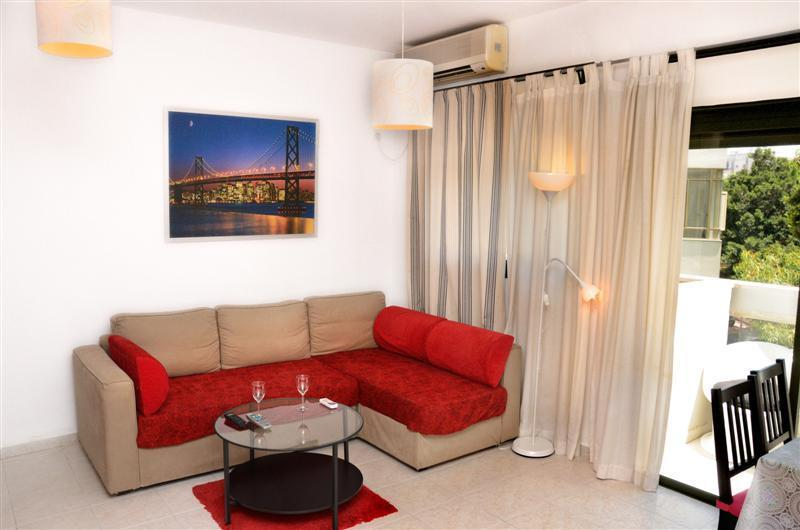 Living room - 1br apartment Ben Yehuda with balcony - Tel Aviv - rentals