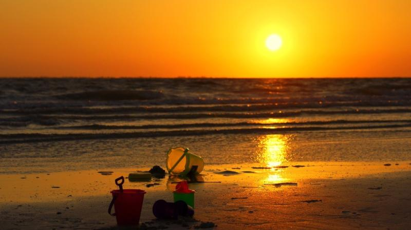 Stroll on the beach at sunset. - Breathtaking Sunsets Just Steps from Your Condo - Fort Myers Beach - rentals
