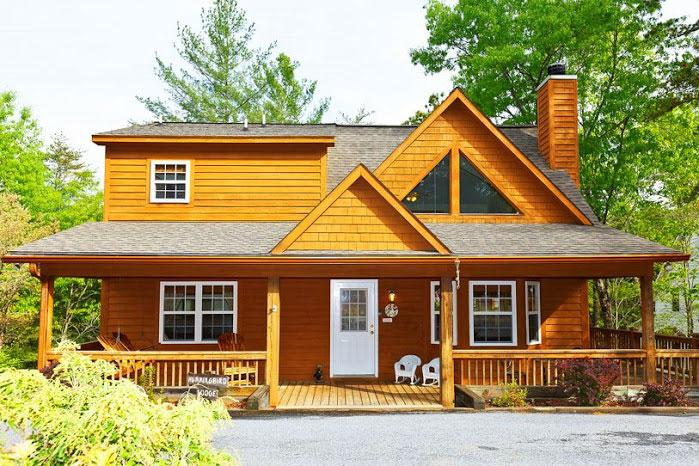 Front View of Cabin - Hummingbird Lodge - Helen - rentals