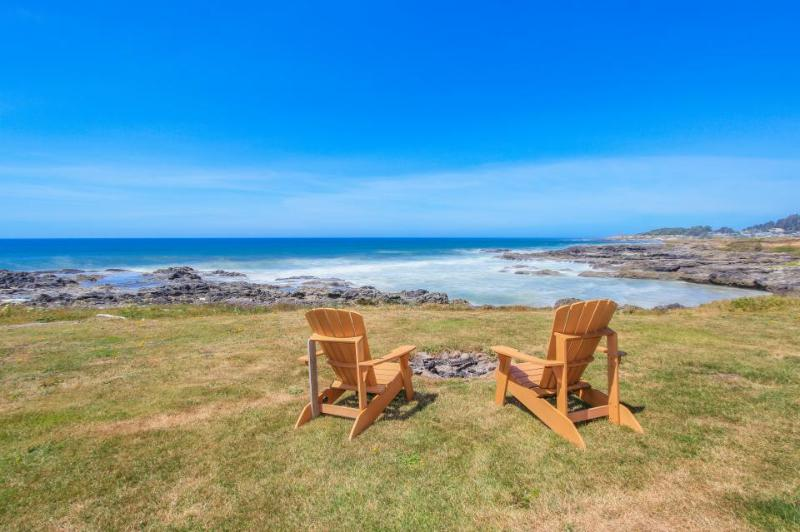 Spectacular oceanfront home w/ ocean views, private hot tub - dogs welcome! - Image 1 - Yachats - rentals