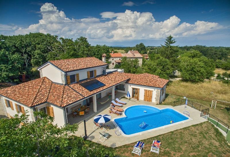 Arton Villa with pool in the heart of Istria - Arton Vila in the heart of Istria, Croatia - Zminj - rentals