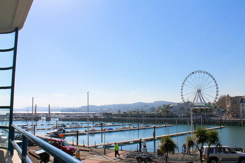 2 Queens Quay located in Torquay, Devon - Image 1 - Torquay - rentals