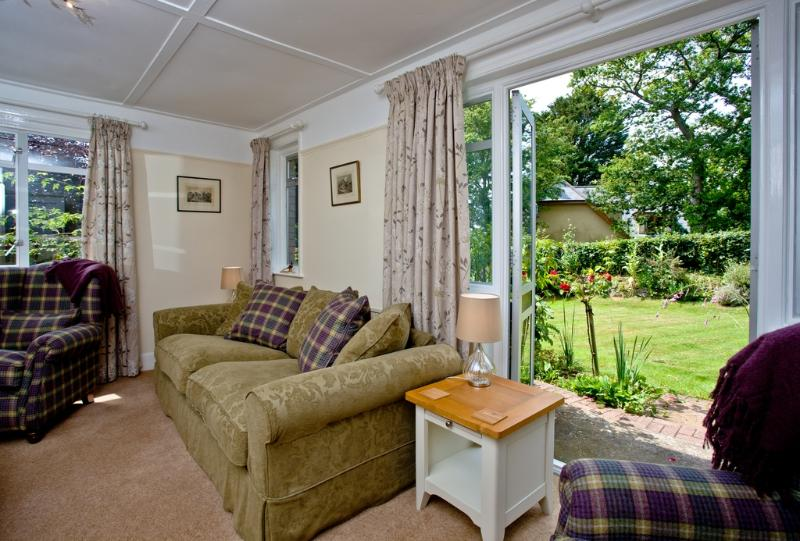 Pentire located in Paignton, Devon - Image 1 - Paignton - rentals